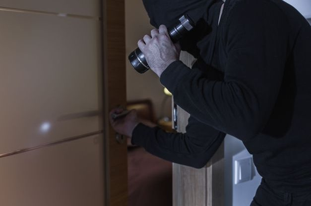 quel syst me d alarme maison choisir service minut 39. Black Bedroom Furniture Sets. Home Design Ideas